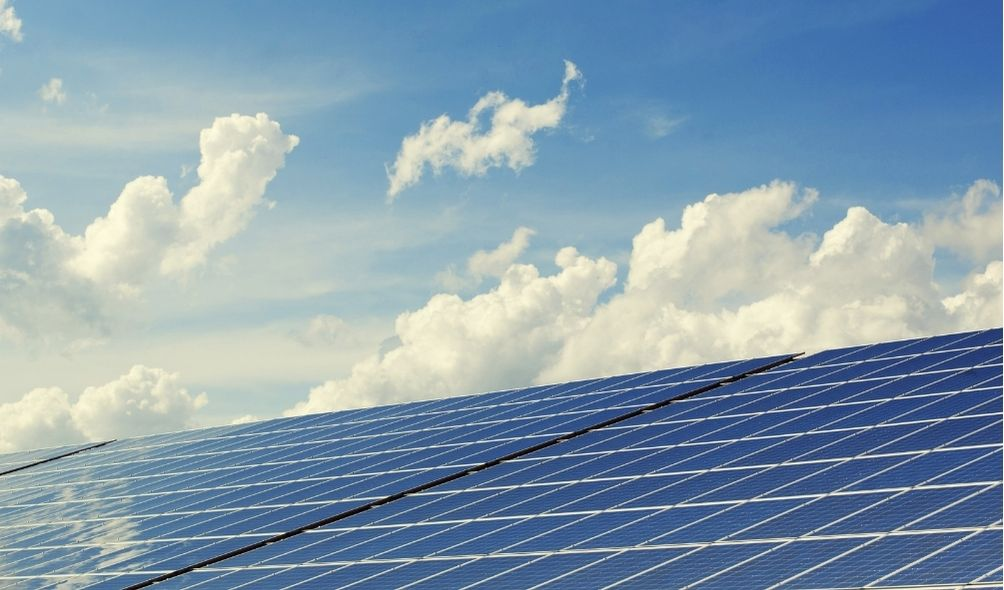 how much power does a solar panel produce