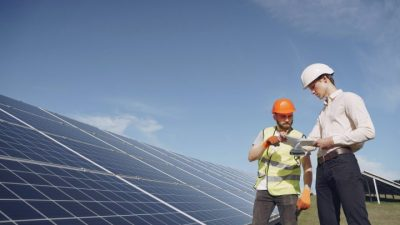 Solar battery maintainers
